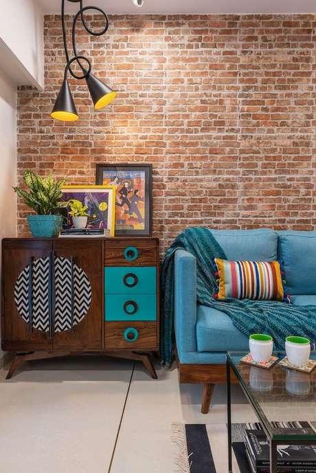 38. Papel de parede rustico na sala de estar retro – Foto Dress Your Home