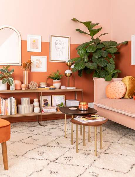 54. Sala cor coral e laranja – Foto Pinterest