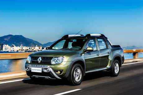 Oferecida em versão única, Renault Duster Oroch 2022 zero km sai até 3,27% mais em conta do que unidade seminova.