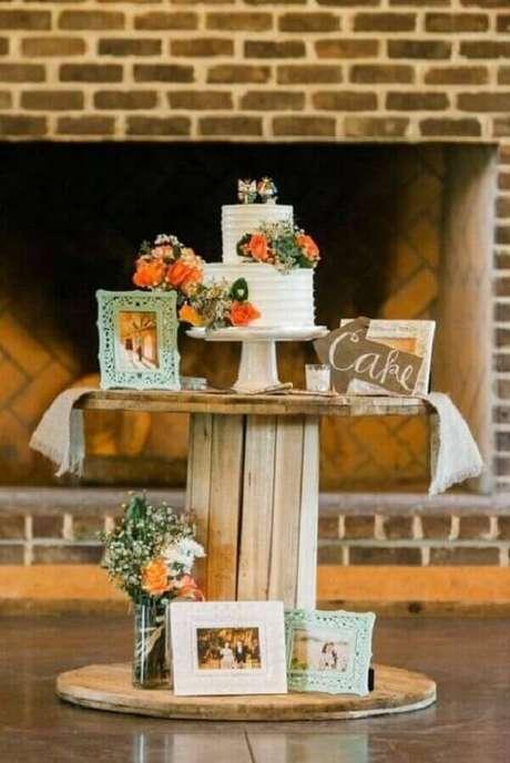 81. Decoração de noivado simples e rústico – Foto: Pinterest