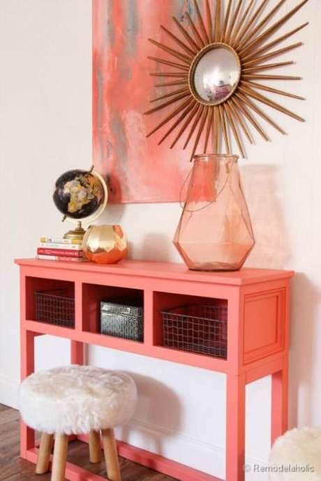 10. Aparador cor coral na decoração moderna – Foto Pinterest