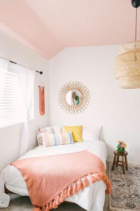 3. Quarto com decoração cor coral – Foto Farm House Living