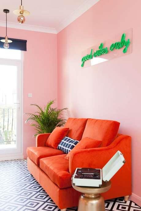 56. Sala de estar cor coral – Foto Pinterest