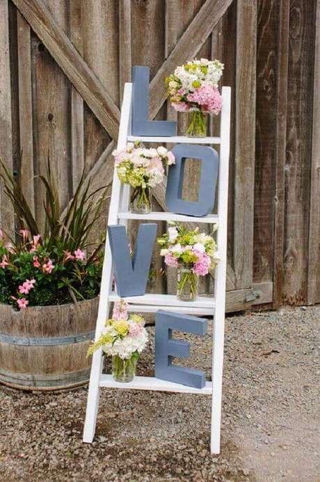 1. Todos os detalhes fazem a diferença na decoração de noivado simples – Foto: Wedding Ideas