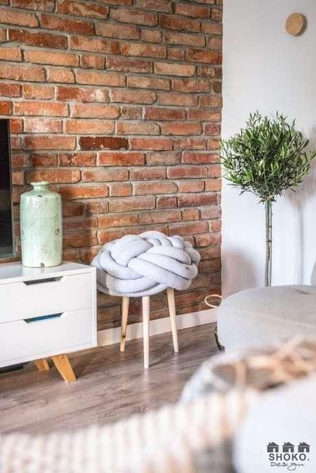 42. Papel de parede rustico de tijolinho na sala de estar – Foto Revista VD