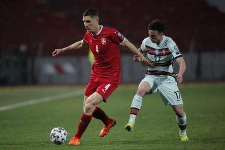 Sérvia e Portugal empataram em partida de quatro gols (Foto: PEDJA MILOSAVLJEVIC / AFP)