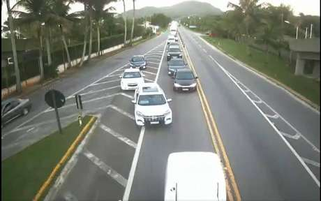 Carros na estrada
