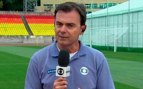 Tino Marcos durante cobertura da Seleção Brasileira (Reprodução/TV Globo)
