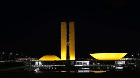 Base aliada do governo via Ernesto Araújo como empecilho para governo Bolsonaro superar crise política e sanitária