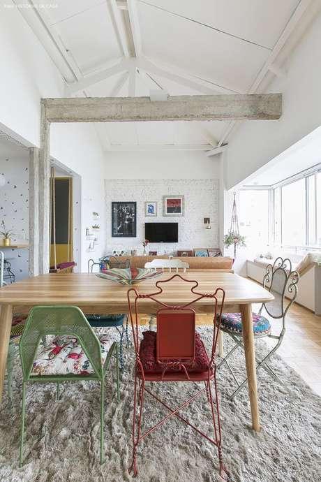 17. Cadeira de ferro para sala de jantar – Foto Histórias de CAsa