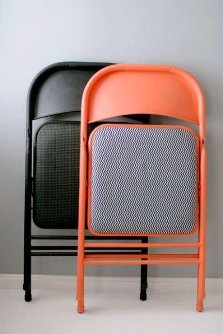 6. Cadeira de ferro com estofado dobrável – Foto Um Lar para Amar