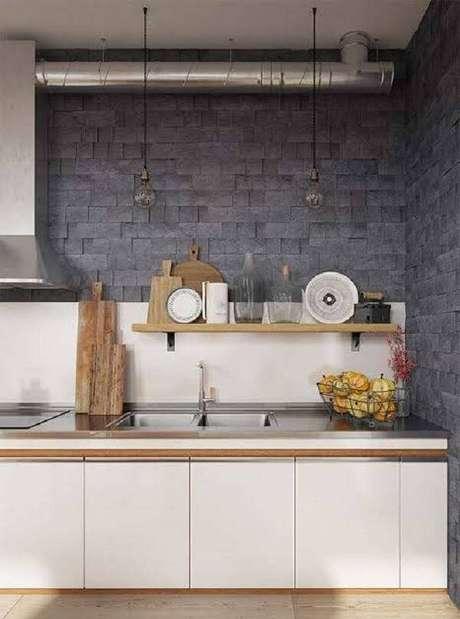 21. Revestimento de pedra para parede do tipo miracema foi usada na cozinha. Fonte: Pinterest