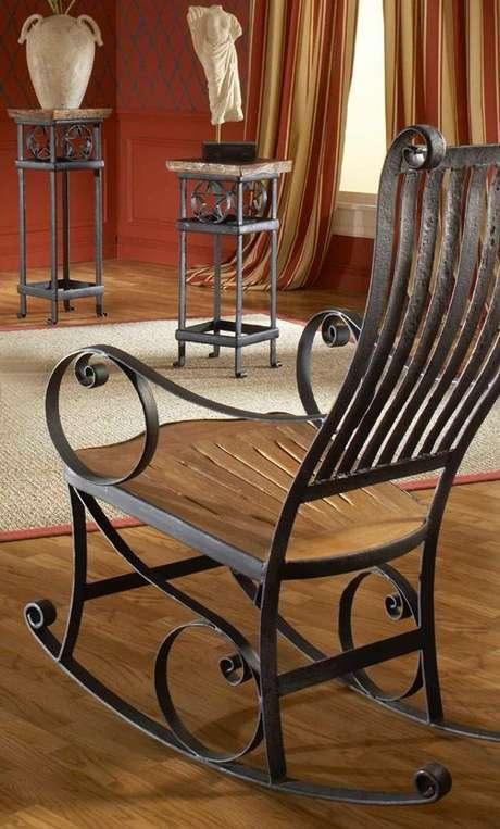 47. Cadeira de ferro de balanço – Foto Pinteres