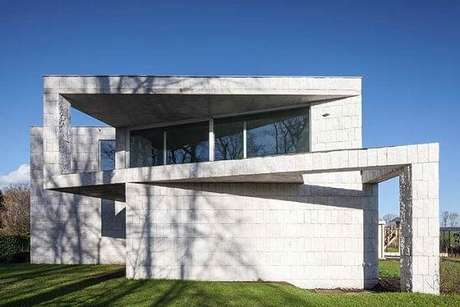 27. Revestimento de parede externa pedra miracema branca usada na fachada da casa. Fonte: Pinterest