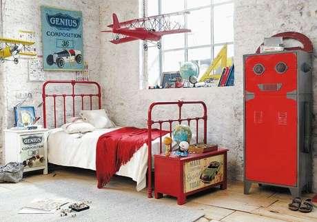 6. Lustre infantil de avião vermelho – Foto Postelmix