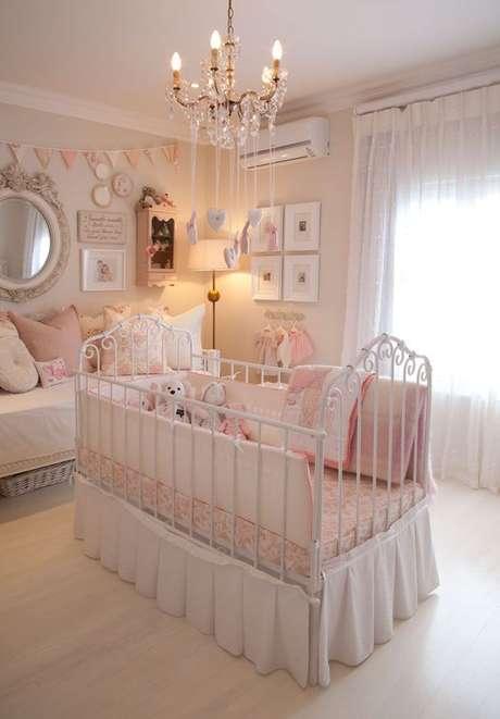 29. Lustre infantil provençal para quarto de bebê – Foto Garden and Home