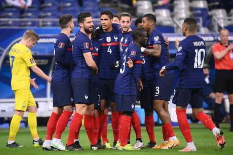 A atual campeã França é a principal favorita para a Copa do Mundo de 2022 (Foto: FRANCK FIFE / AFP)