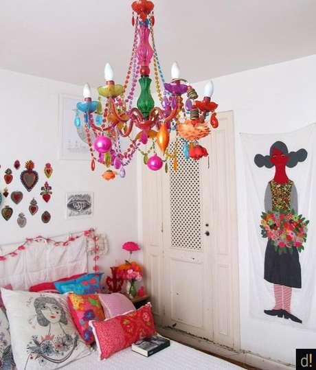 17. Lustre infantil colorido para quarto moderno – Foto Pinterest