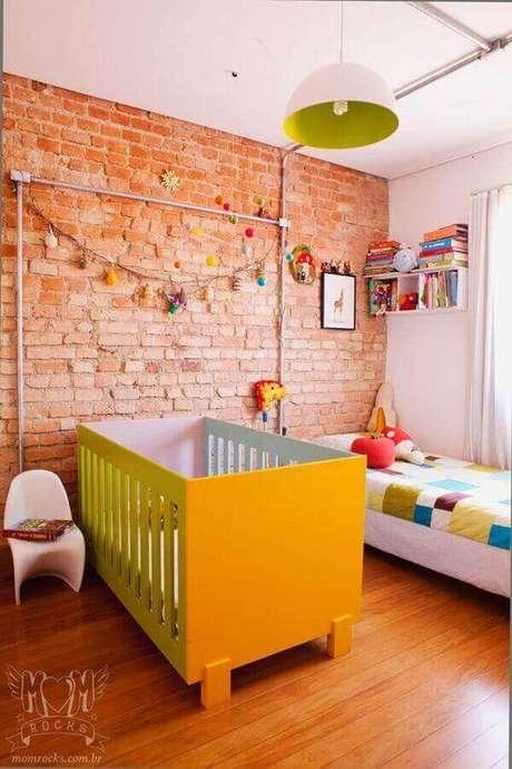 41. Quarto com lustre infantil colorido – Foto revista Vd