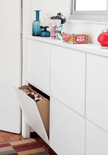 46. A sapateira com armário basculante ocupa pouco espaço no dormitório. Fonte: Pinterest