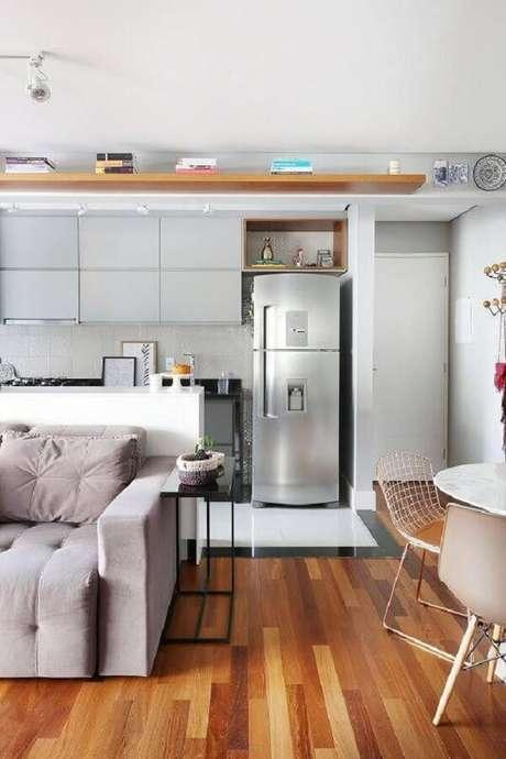 21. O armário basculante cozinha auxilia na organização do cômodo. Fonte: Pinterest