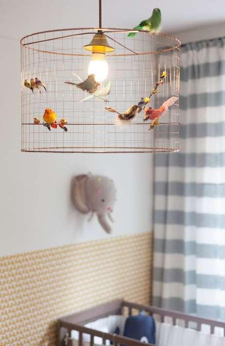 2. Lustre infantil com passarinhos – Foto Clem Around The Corner