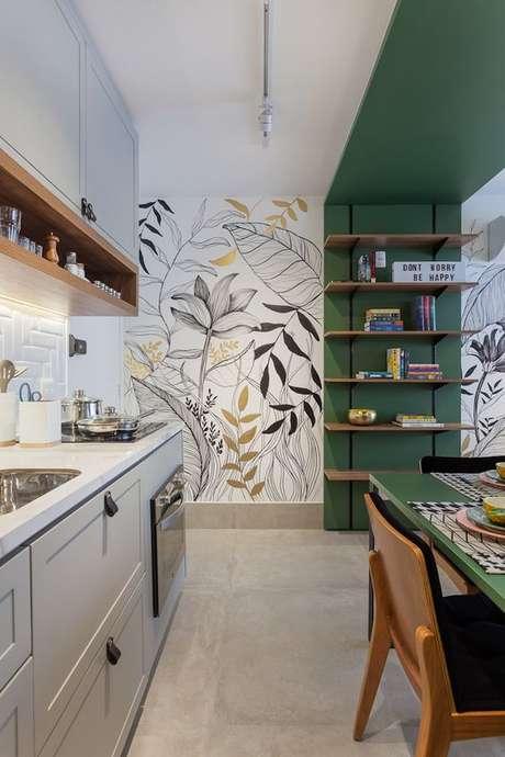 33. Cerâmica para cozinha moderna com papel de parede floral – Foto Homify