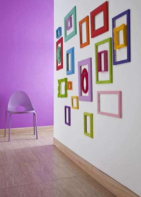 38. Moldura colorida no corredor – Foto Casa Abril