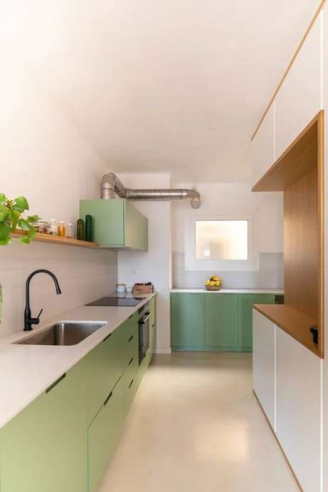 59. Cozinha com piso cerâmico claro – Foto Habitissimo