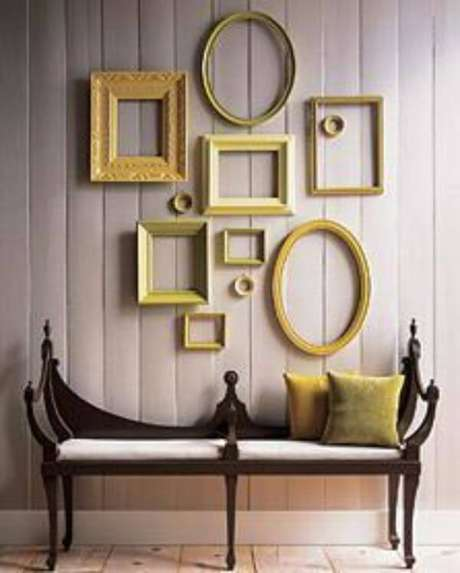 12. Sala chique com moldura colorida em tons de amarelo – Foto Pinterest