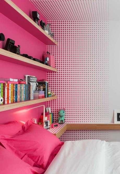 10. Papel de parede rosa de bolinhas – Foto Maria Eduarda
