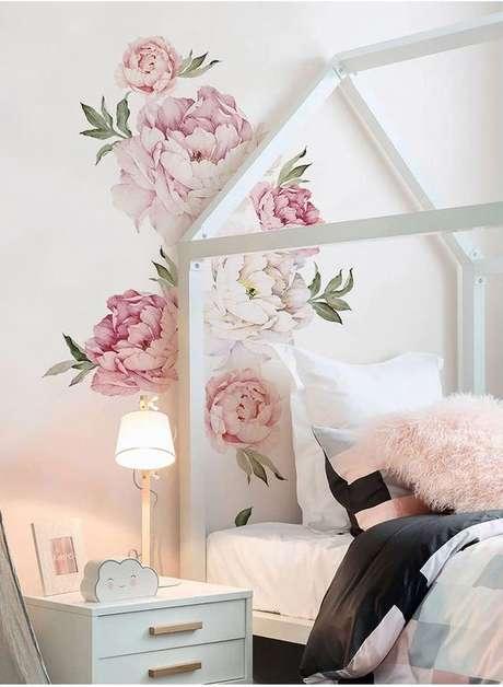 47. Papel de parede rosa com flores no quarto feminino – Foto AliExpress