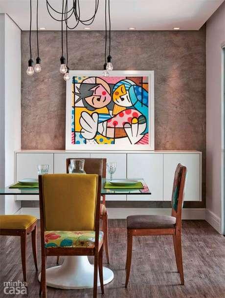 17. Sala de jantar com moldura branca – Foto Casa Abril