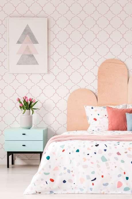 14. Quarto moderno com papel de parede cor de rosa – Foto Papel Decor