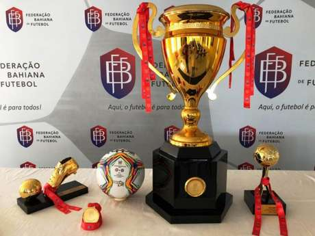 Troféu levantado pelo campeão estadual (Divulgação/FBF)
