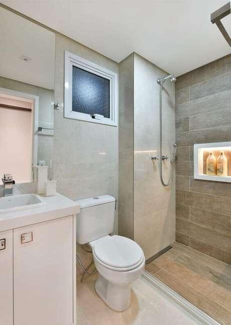 26. Revestimento para banheiro bege e chique – Foto Pinterest