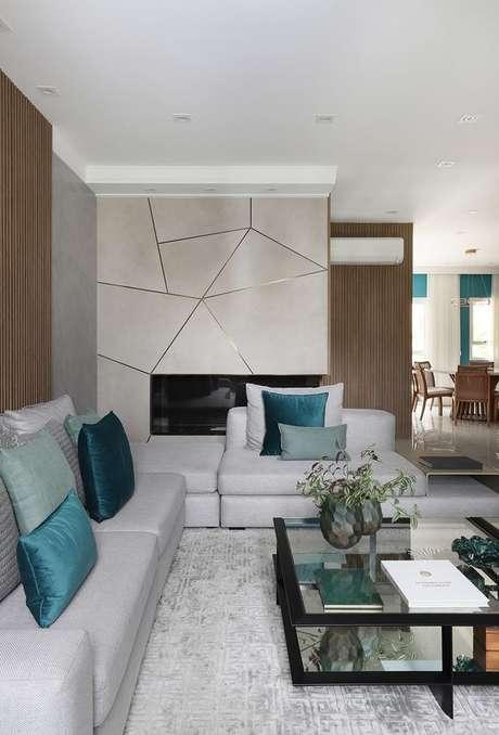 13. Revestimento bege geométrico para sala de estar – Foto Casa de Valentina