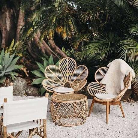 24. Cadeira para área externa de vime em formato de flor charmosa – Foto Pinterest