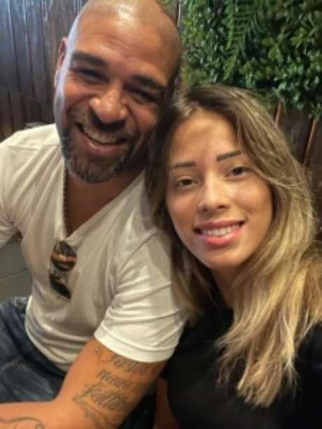 Adriano e Micaela em post nas redes sociais (Reprodução/Instagram Adriano)