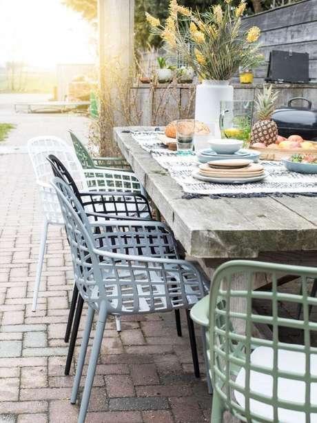 19. Cadeira para área externa de ferro para mesa rustica – Foto Zuiver