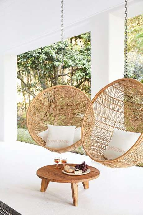17. Cadeira para área externa de balanço na varanda – Foto Three Birds Renovation