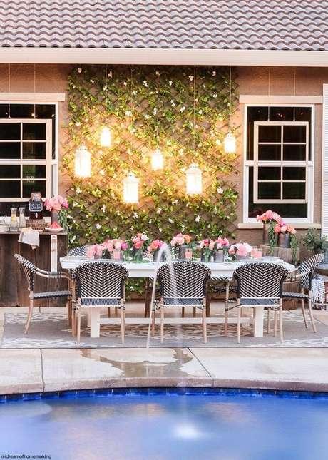 40. Mesa de jantar com cadeira para área externa – Foto A Floral