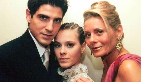 Edu (Reynaldo Gianecchini), Camila (Carolina Dieckmann) e Helena (Vera Fischer) de 'Laços de Família': o público nunca se cansa de uma boa trama