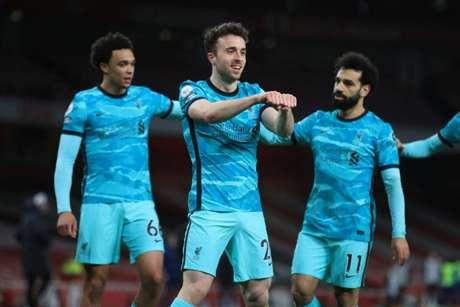 Diogo Jota foi o grande destaque da vitória do Liverpool (Foto: ADAM DAVY / POOL / AFP)
