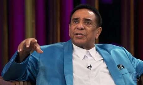 O cantor Agnaldo Timóteo está internado com coronavírus