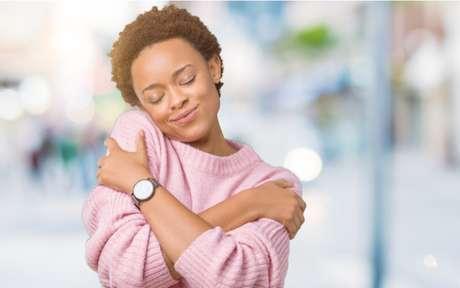 Autocuidado: praticar exercícios e alimentação saudável são os pilares