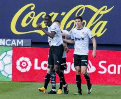 Diakhaby ficou furioso após desentendimento com Juan Cala, do Cadiz (Foto: Divulgação / Site oficial do Valencia)