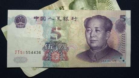 Carteiras digitais começam a ser testadas em bancos estatais chineses para receber CBDC