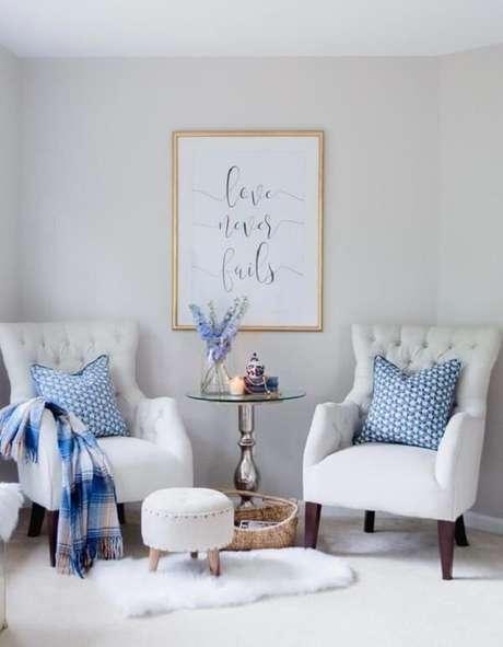 15. Reserve um espaço na sala para incluir uma poltrona com pé palito. Fonte: Pinterest