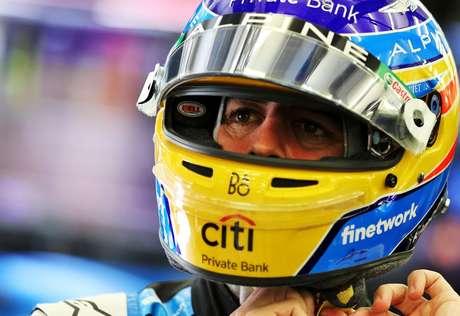 """Fernando Alonso diz estar """"mais moderado"""" no seu retorno à F1"""